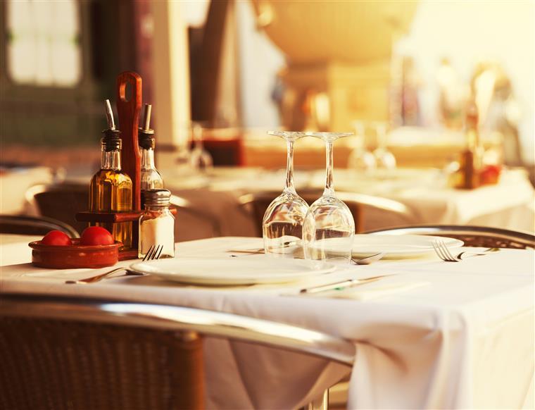 Hotelaria e restauração exigem reposição IVA de 13% em 2016