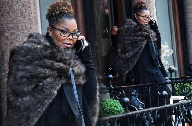 Janet Jackson exibe nova silhueta depois de perder 31 quilos
