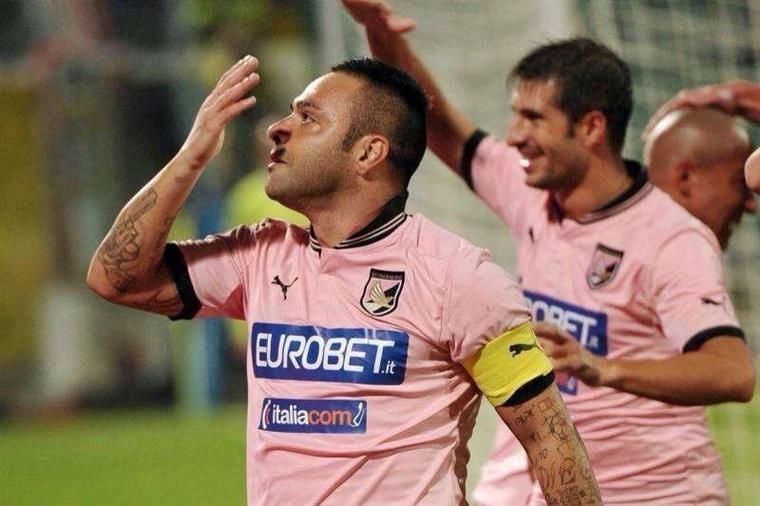 Itália. Miccoli (ex-Benfica) é condenado a três anos e meio de prisão