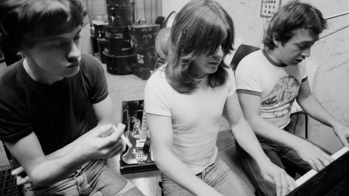 Morreu George Young, o mentor dos AC/DC