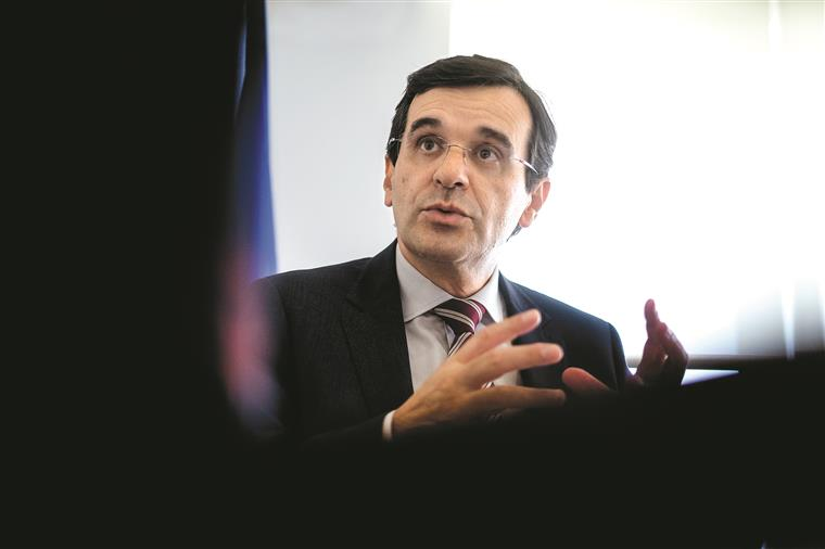 Ministro pede desculpa às vítimas do surto de legionella