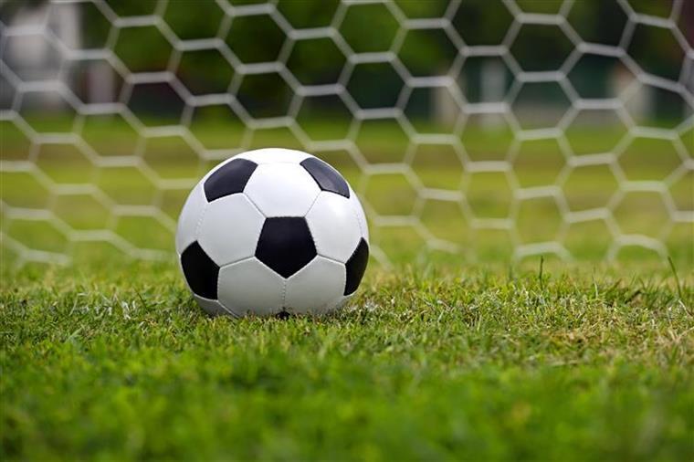 Futebol feminino. Falhanço incrível na Liga dos Campeões (com vídeo)