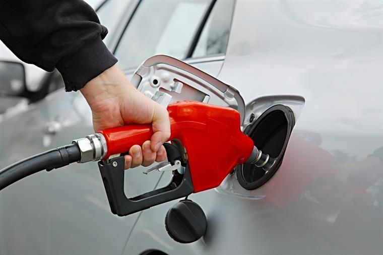 Combustíveis mais baratos, sobretudo a gasolina