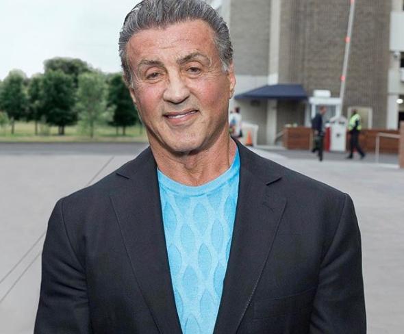 Sylvester Stallone nega estupro de fã em 1986