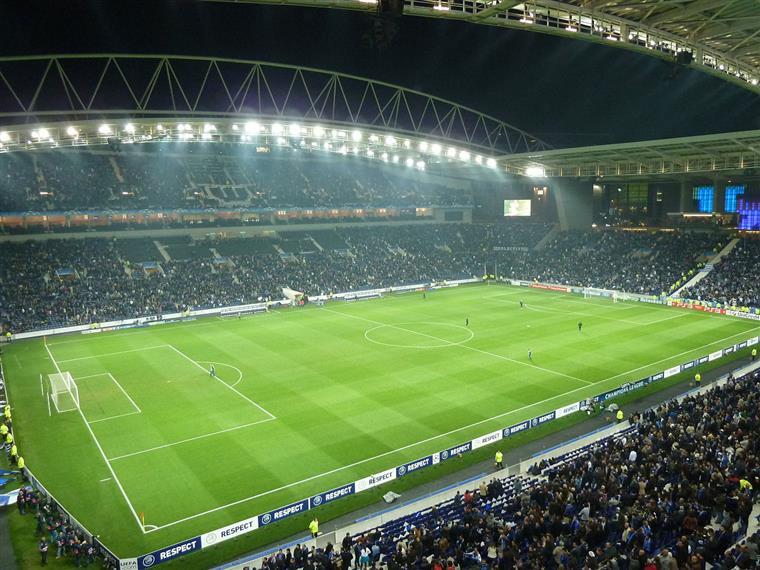 Taça de Portugal. FC Porto sofre mas segue em frente