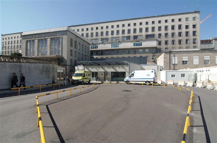 Greve encerra 11 blocos operatórios do Hospital de São João