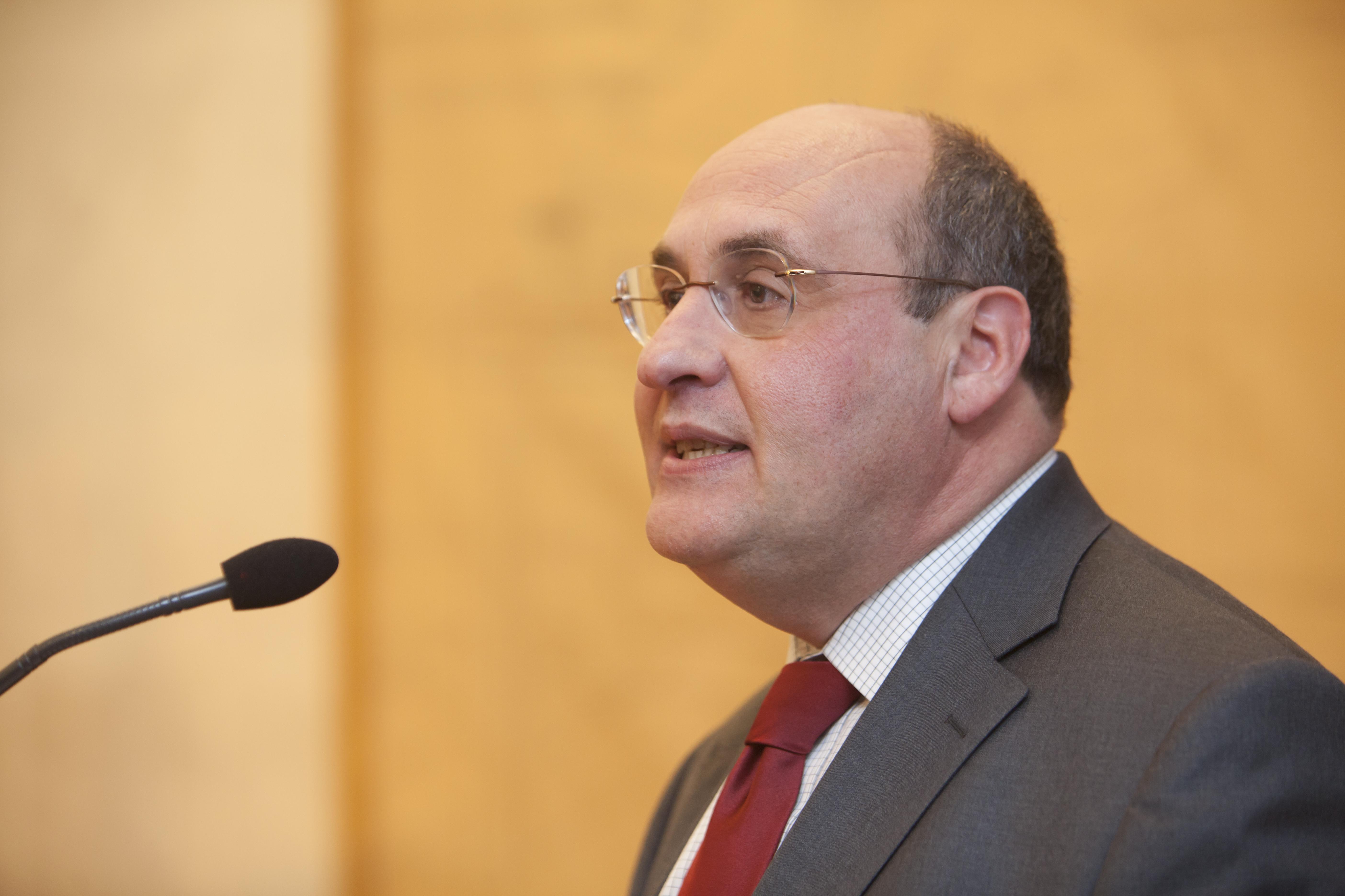 António Vitorino prepara candidatura à presidência de instituição da ONU