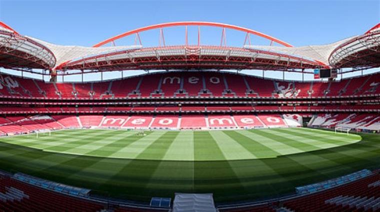 Nova derrota no adeus do pior Benfica europeu de sempre