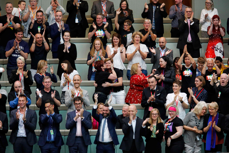 Parlamento australiano aprova lei sobre o casamento entre pessoas do mesmo sexo