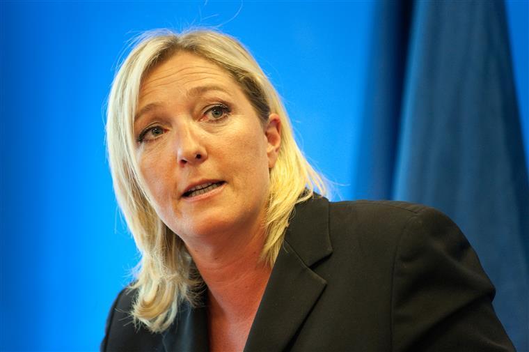 Le Pen recusa devolver 300 mil euros ao Parlamento Europeu