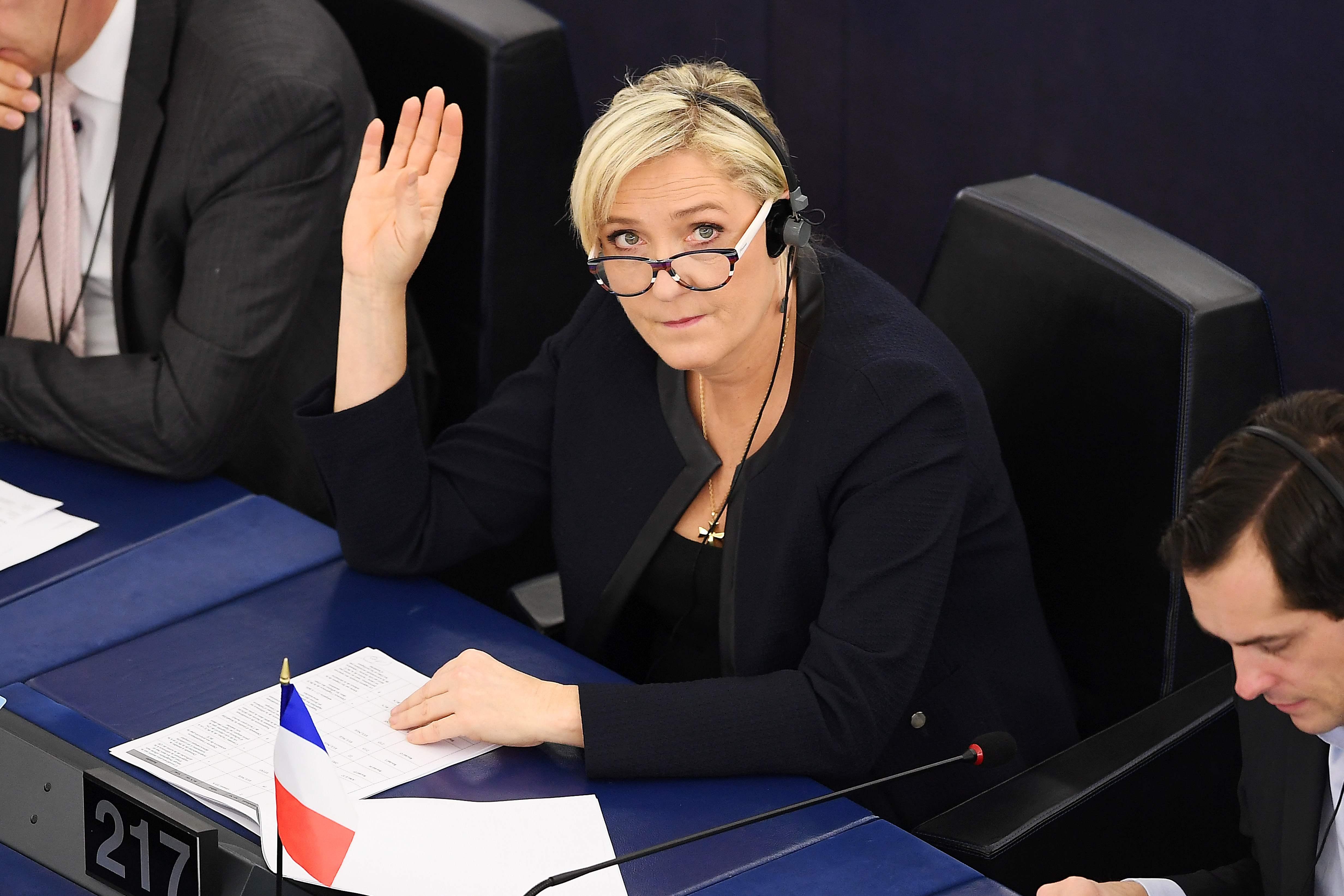 Buscas na sede de campanha de Marine Le Pen