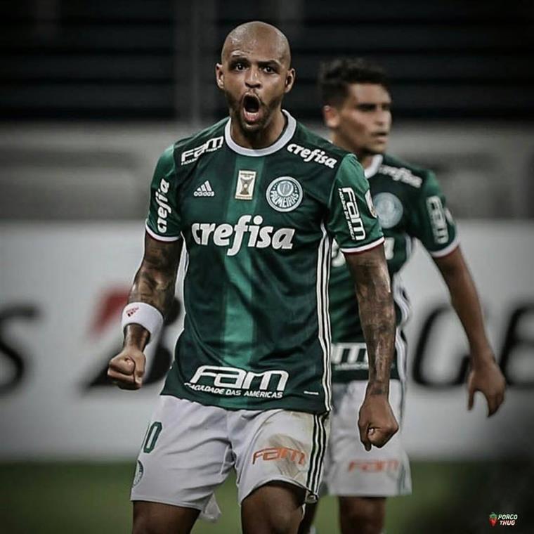Batalha campal na Libertadores: Felipe Melo dá um soco num adversário (com vídeo)