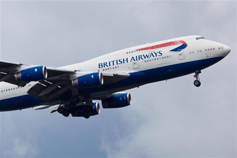 Avião que aterrou na Ilha Terceira expulsou doente oncológico