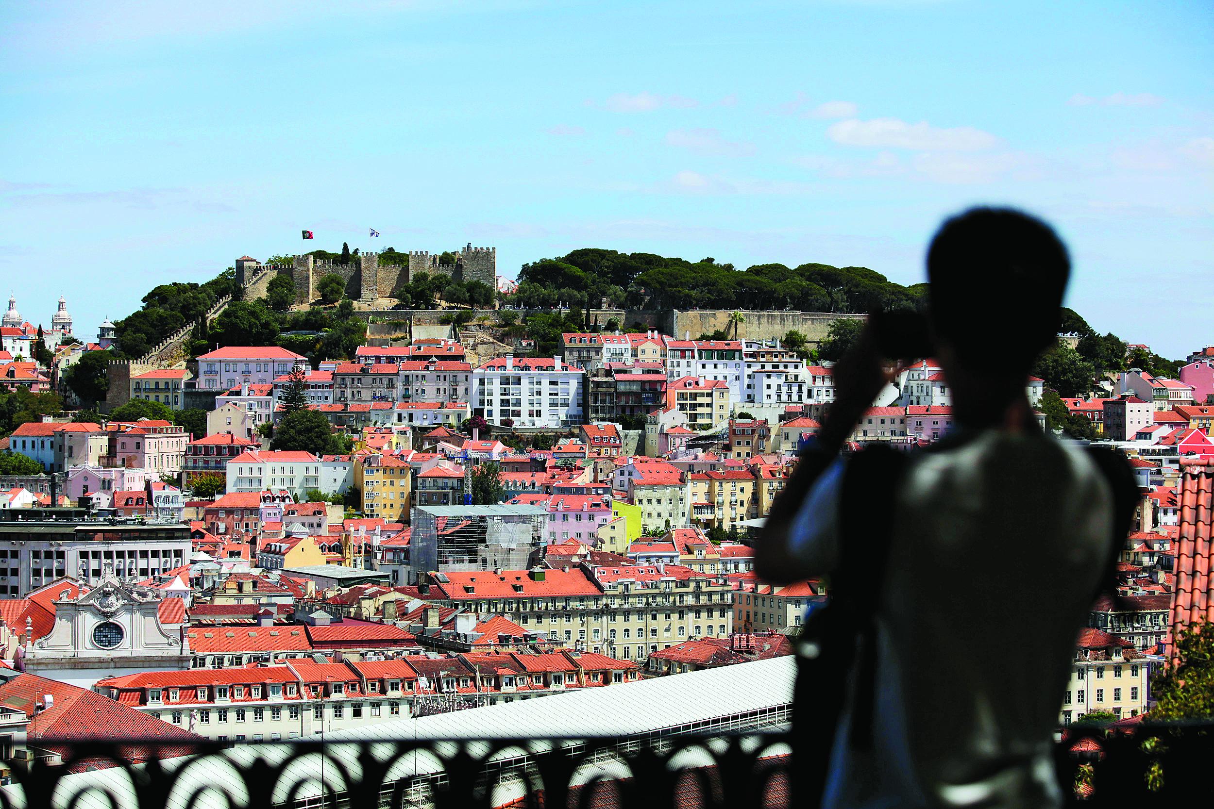 Portugal recebeu 1,6 milhões de hóspedes no Airbnb, em 2016