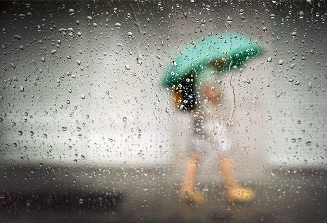 Nove distritos de Portugal continental sob aviso Amarelo devido à chuva