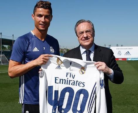 Homenageado pelo Real Madrid, Cristiano Ronaldo diz que não é de
