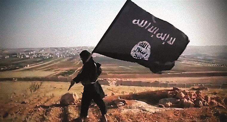 Exército russo pode ter matado líder do EI em bombardeio, diz ministro