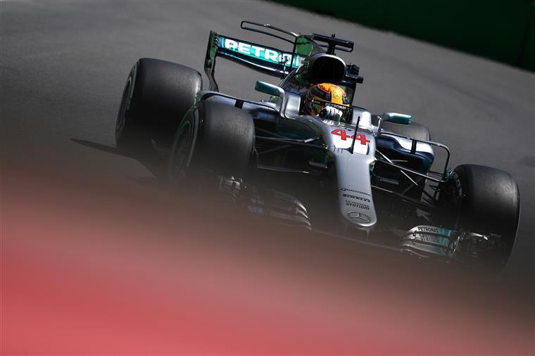 Hamilton bate Senna em pole positions