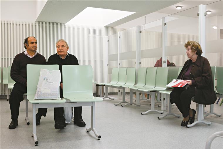 Mais pobres têm cinco vezes mais dificuldades de acesso à saúde