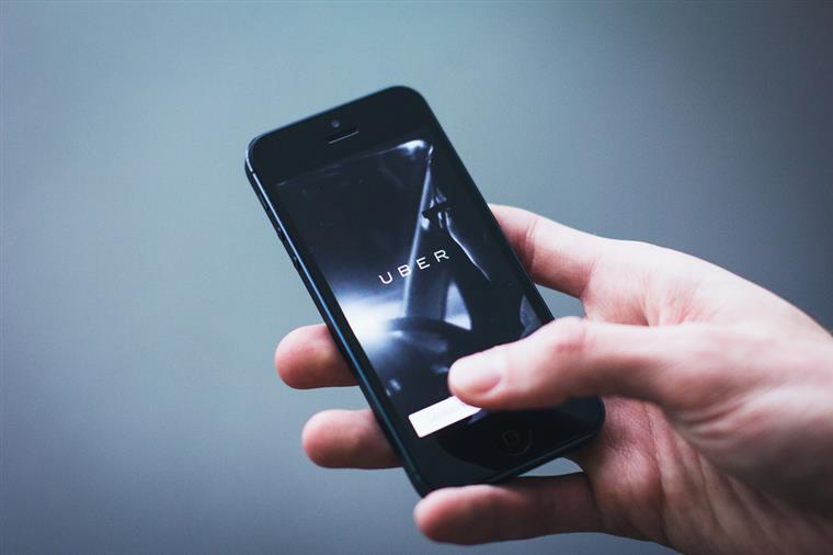 Uber chega a toda a costa algarvia e tem dicas para turistas