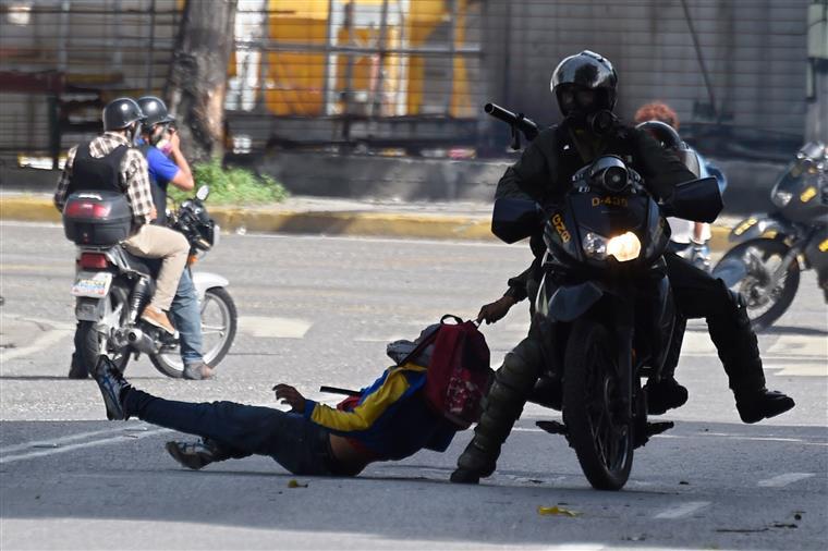 Venezuela. Helicóptero ataca Supremo Tribunal com disparos e granadas