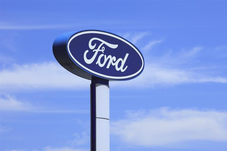 Ford recolhe mais de 400 mil veículos