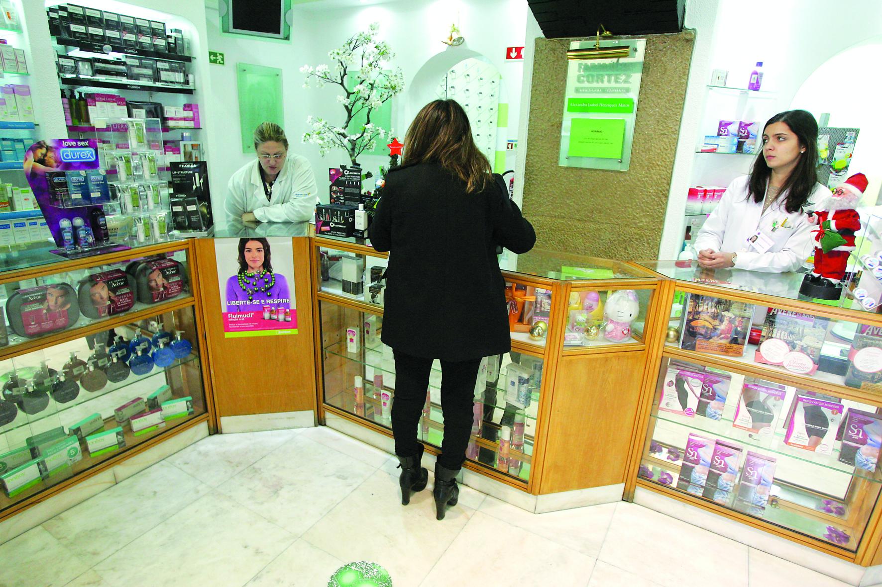 Farmacêuticos voltam atrás e cancelam greve após luz verde do Governo