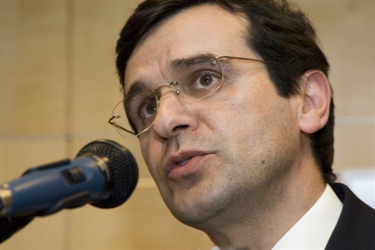Ministro da saúde acusa enfermeiros de fazerem