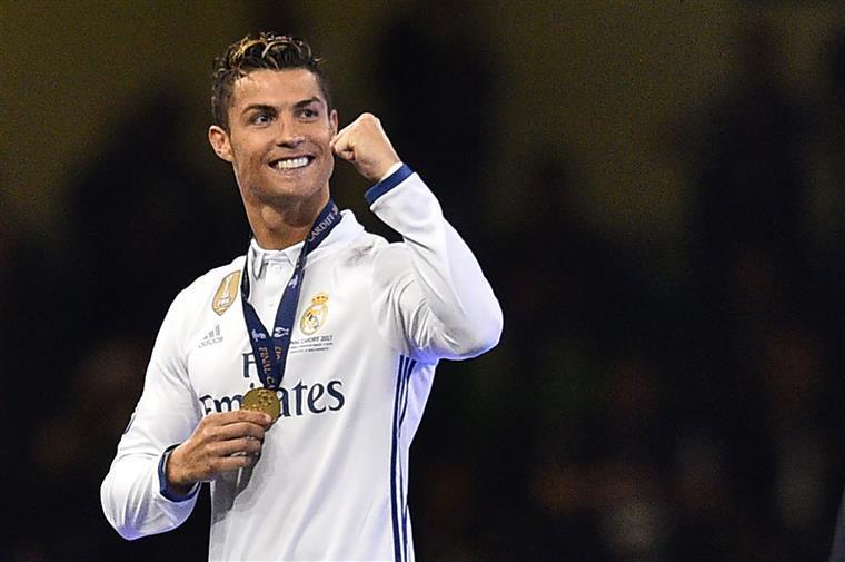 Cristiano Ronaldo em tribunal alvo de memes