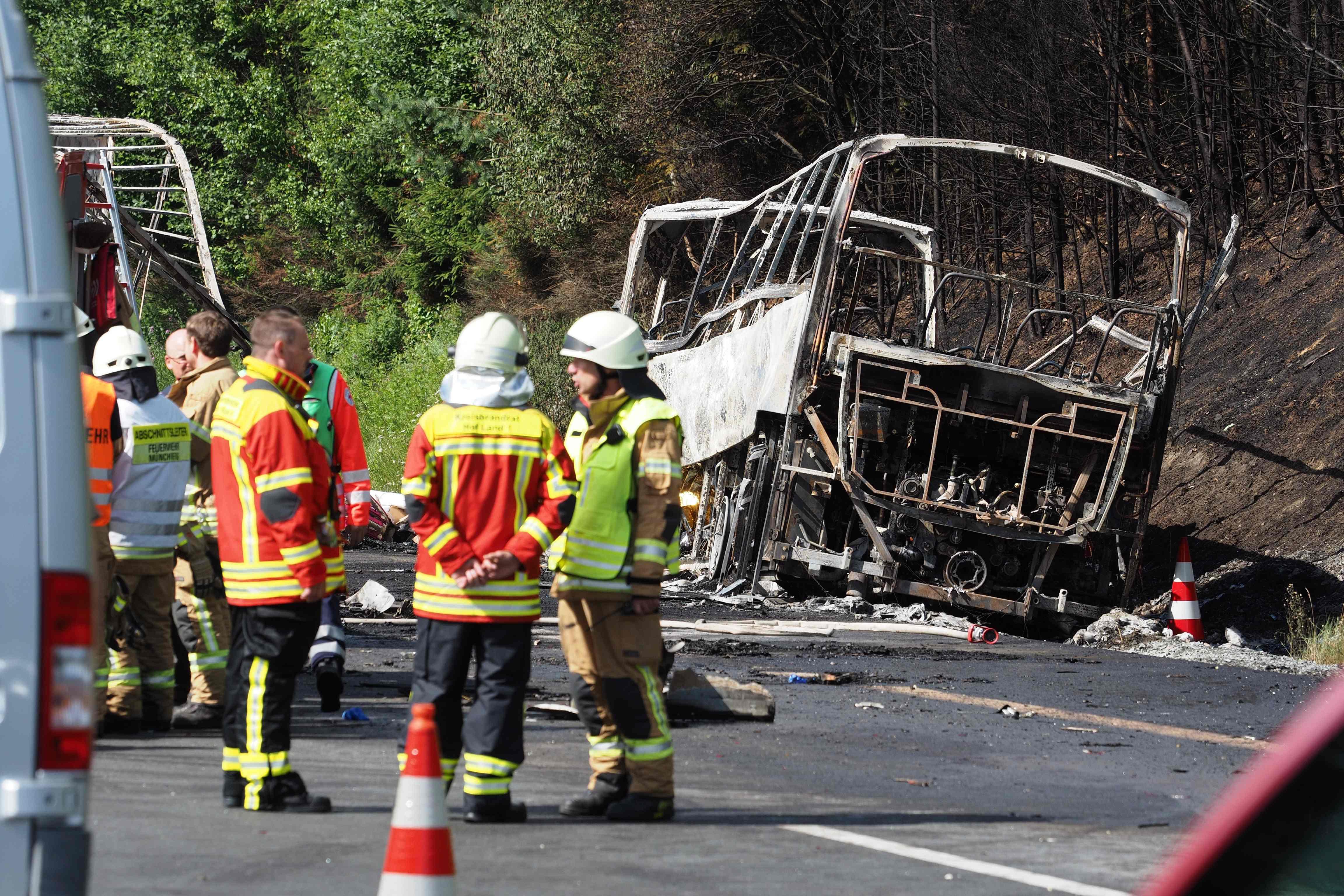 31 feridos e 17 desaparecidos numa colisão seguida de incêndio na Alemanha