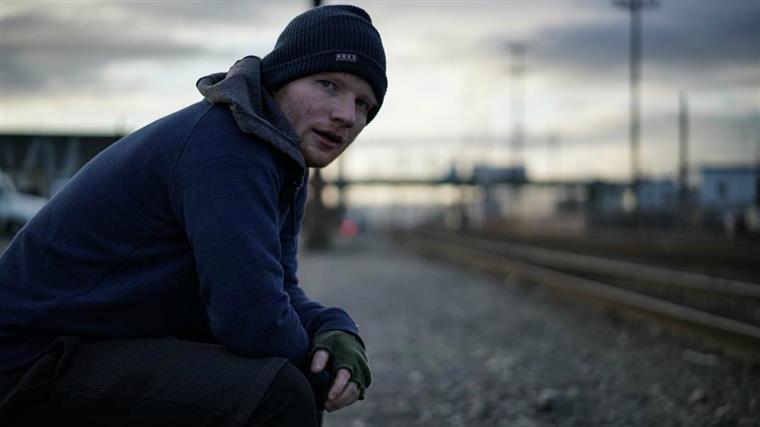 Ed Sheeran sai do Twitter depois de comentários abusivos