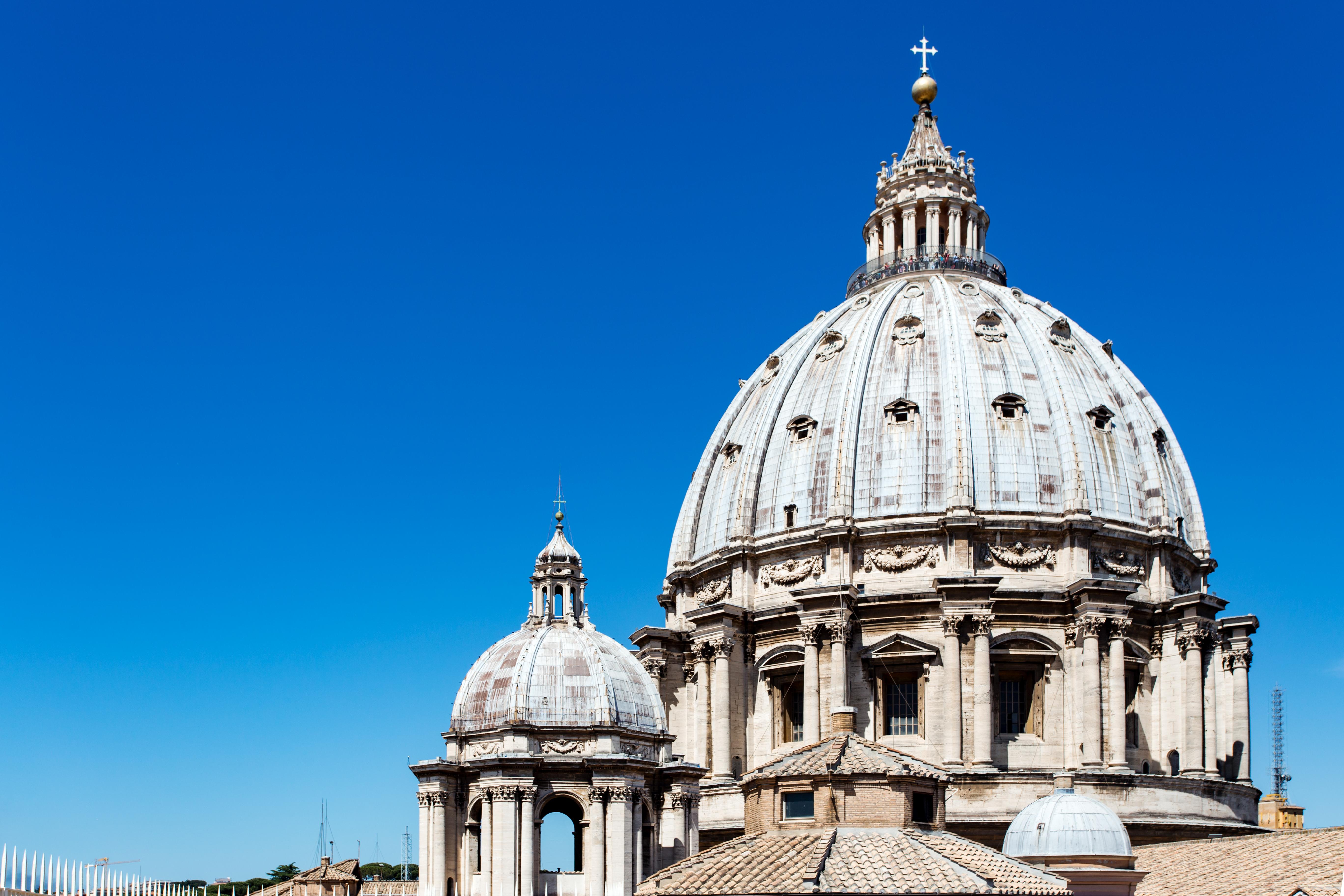 Itália - Polícia do Vaticano interrompe orgia gay em apartamento de