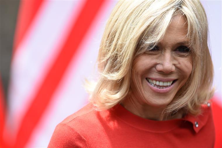 França. Brigitte não vai ser primeira dama, mas vai ter encargos próprios