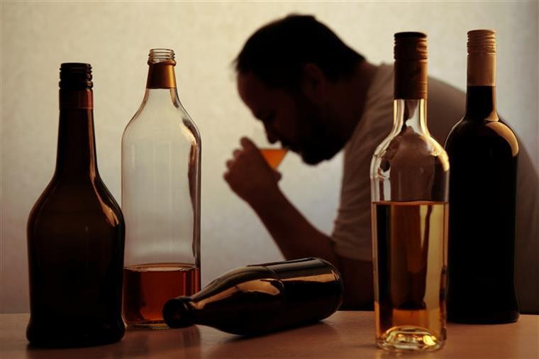 Este homem não bebeu álcool nem café durante dois anos. Veja o que aconteceu