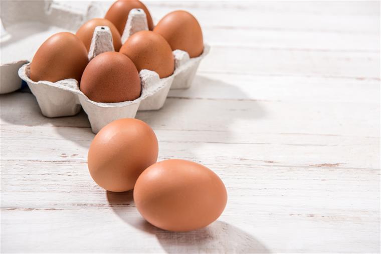 Crise dos ovos contaminados se estende a Reino Unido e França