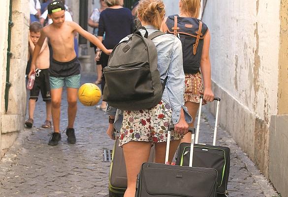 Apenas 12,2% dos turistas escolheram alojamento local