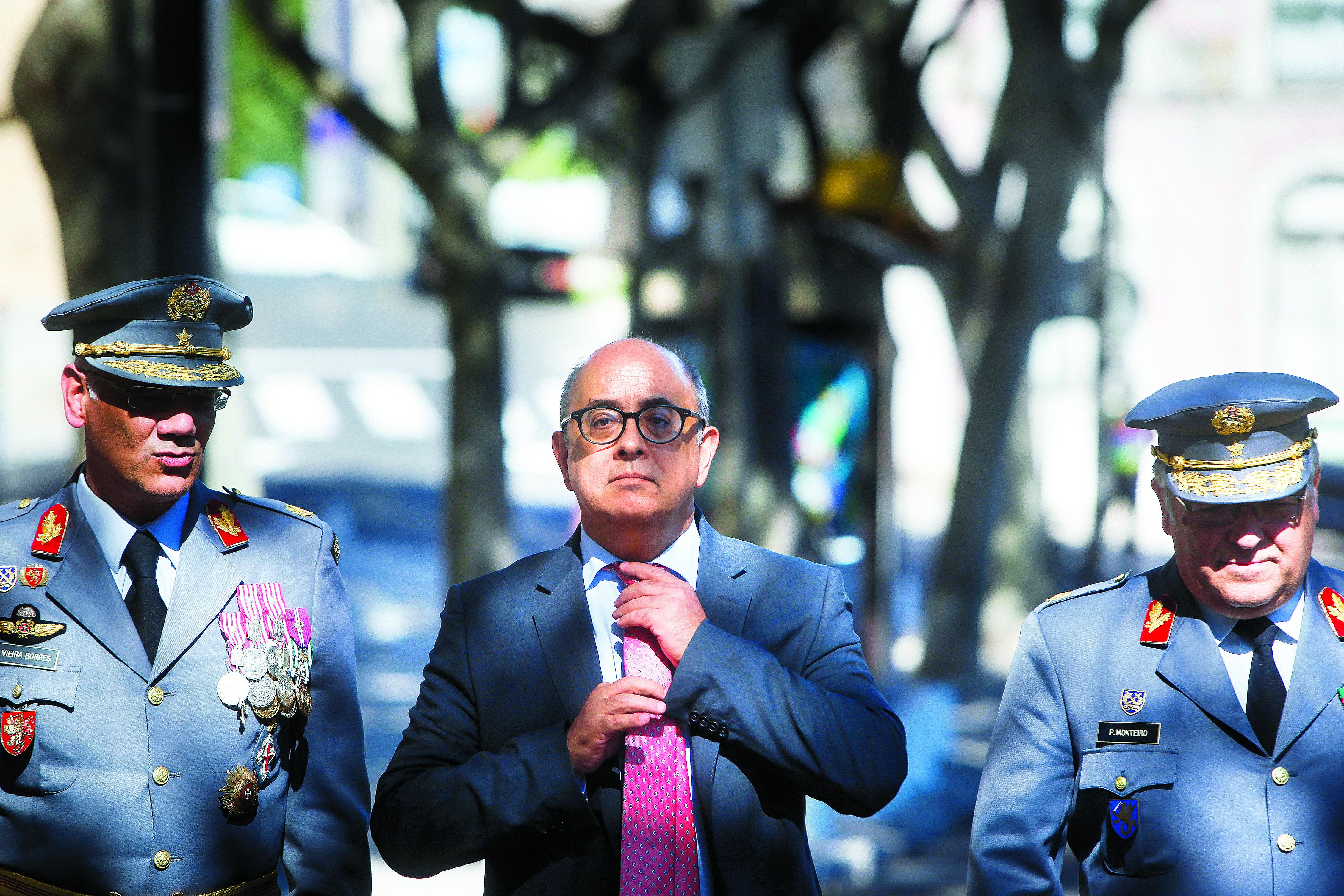 PSD e CDS marcam debate sobre