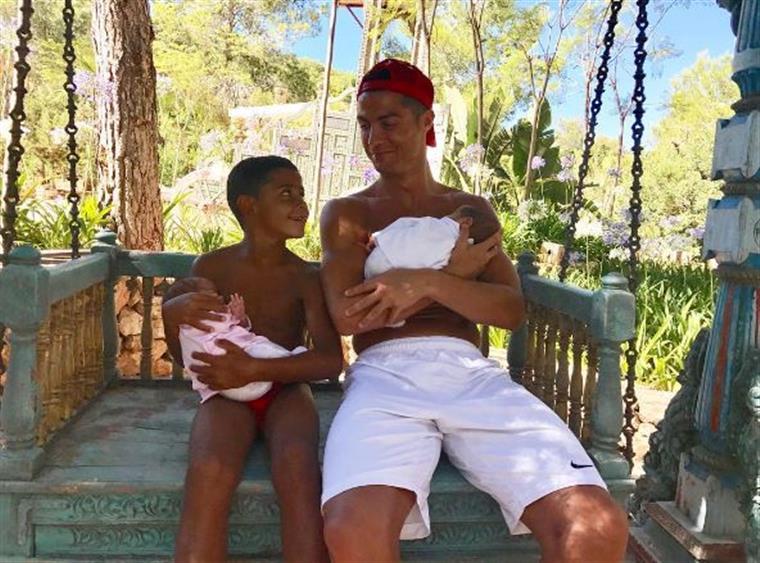 Dolores Aveiro partilha nova fotografia dos gémeos