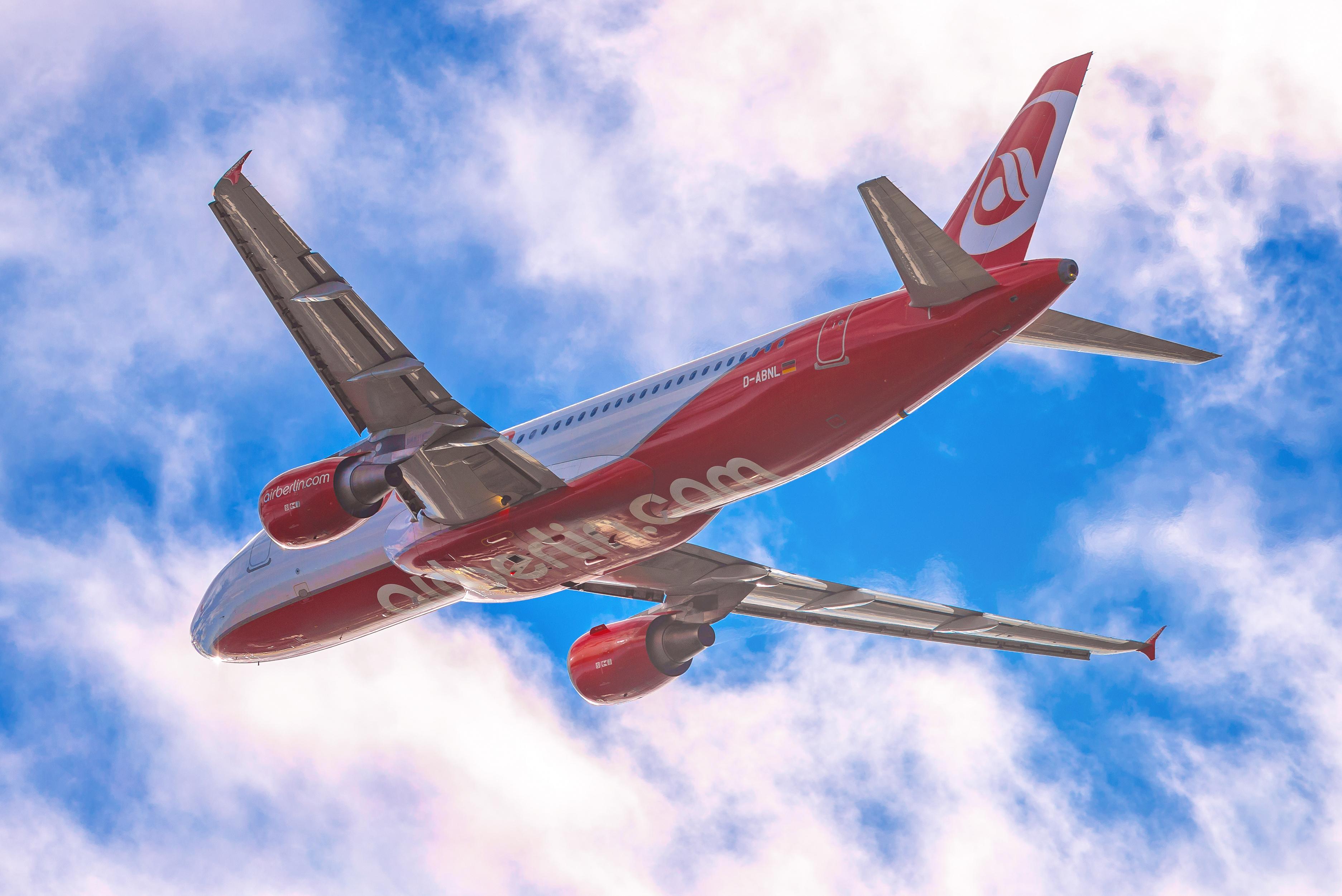 Em crise financeira, Air Berlin cancela voos por ausência de pilotos