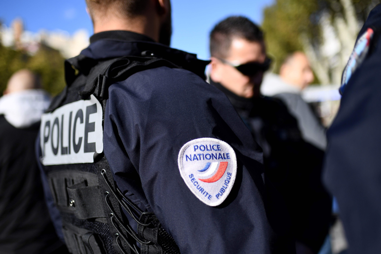 Duas jovens americanas atacadas com ácido em estação de comboio em Marselha
