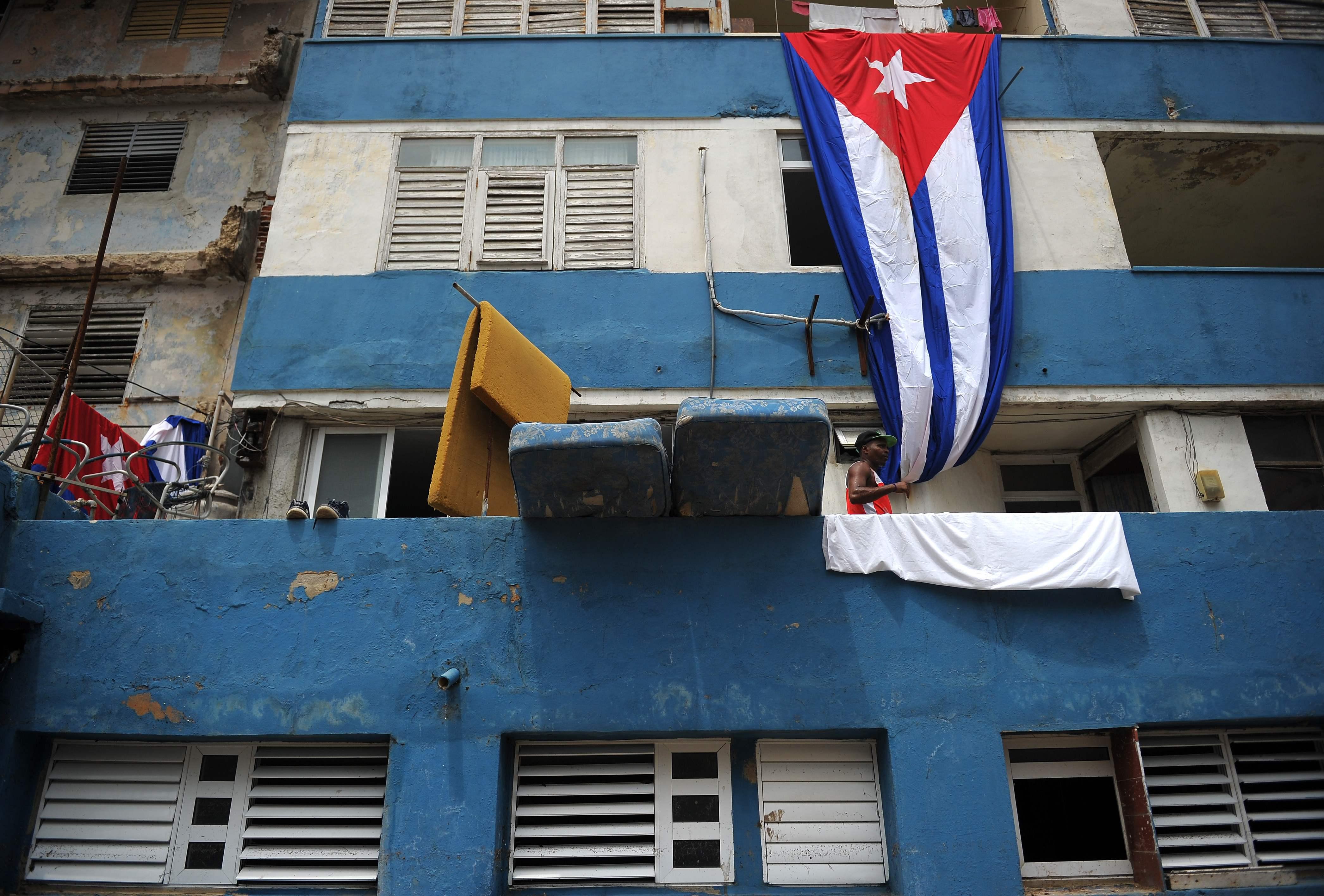 EUA admitem fechar embaixada em Cuba
