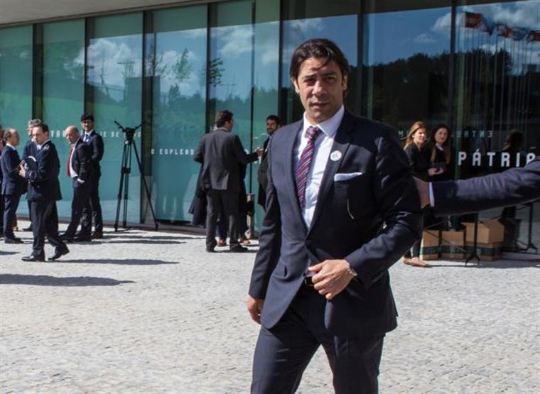 Crise aberta na Luz: Rui Gomes da Silva atira-se a Rui Costa.
