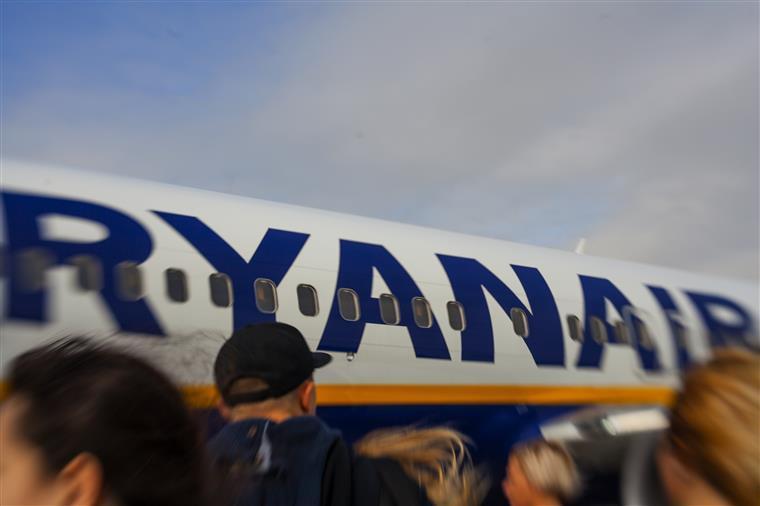 Ryanair cancela voos de Novembro deste ano a Março de 2018