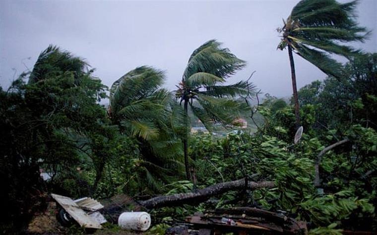 Lee se torna quinto furacão de categoria máxima da temporada no Atlântico