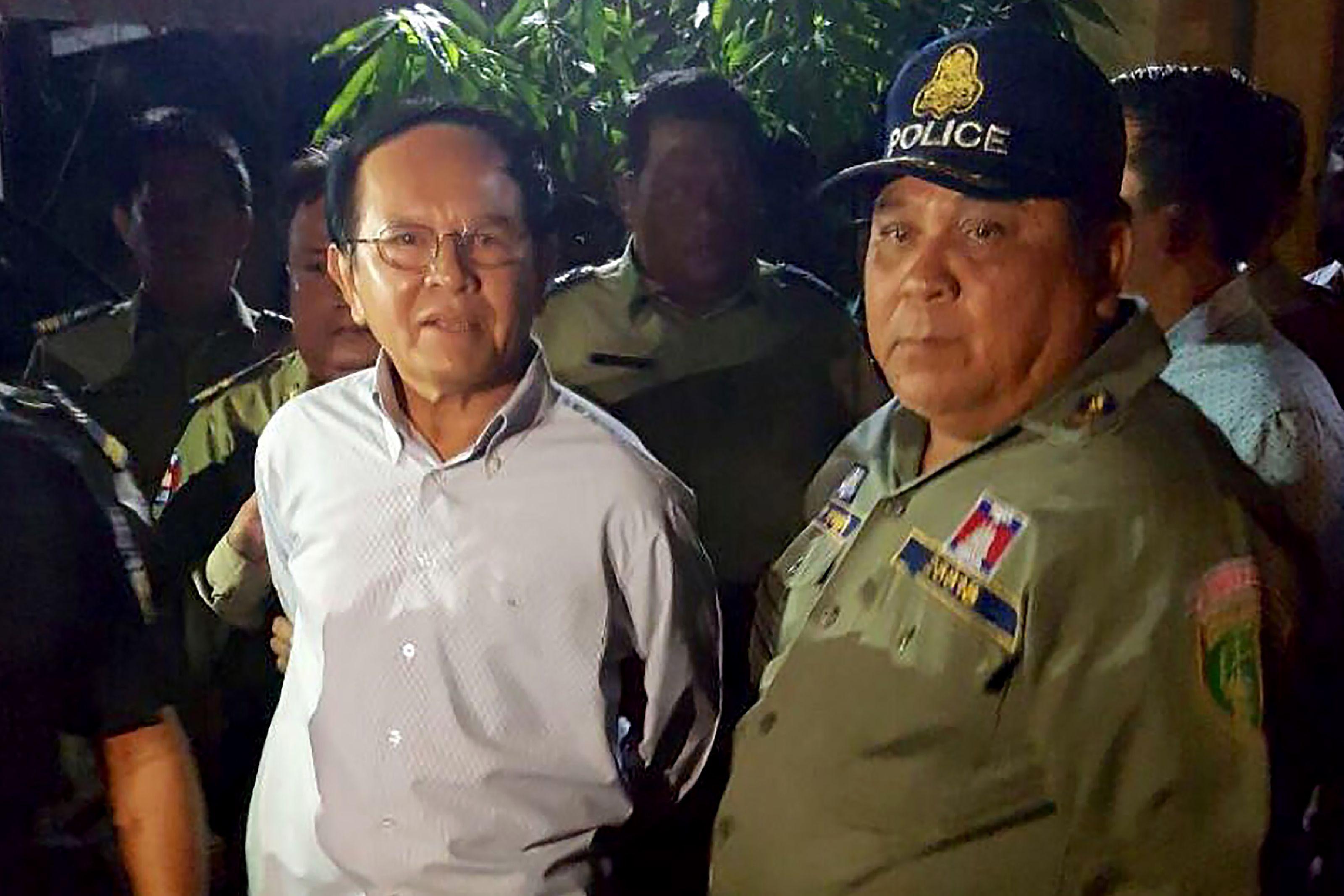 Polícia prende líder do principal partido de oposição do país — Camboja