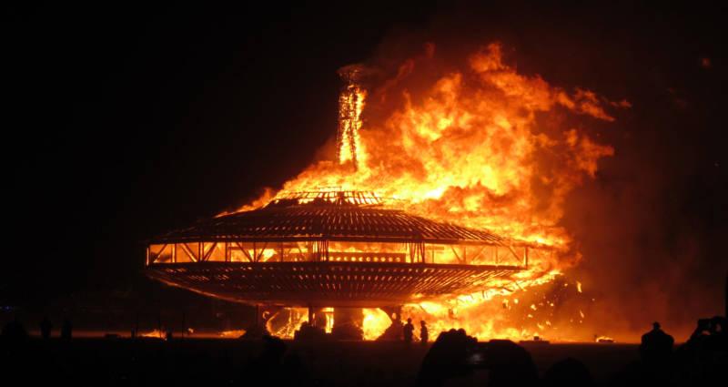 Burning Man voltou ao deserto, este ano marcado por uma morte