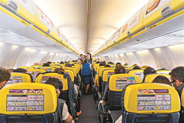 Ryanair limita transporte de bagagem de mão para evitar atrasos