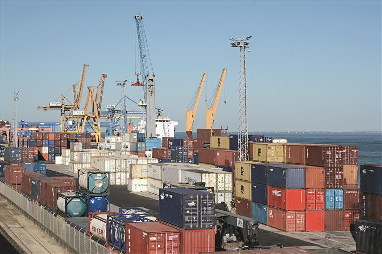 Importações aumentam 12,8% e exportações 4,6% em julho -- INE