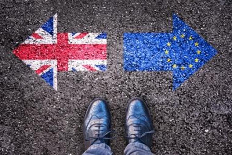 Milhares se manifestam em Londres para Reino Unido permanecer na União Europeia