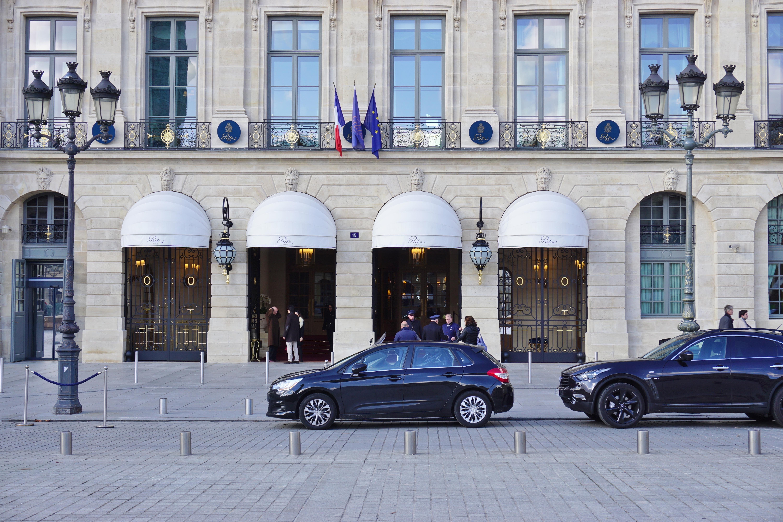 Assaltantes roubam milhões em jóias no hotel Ritz de Paris